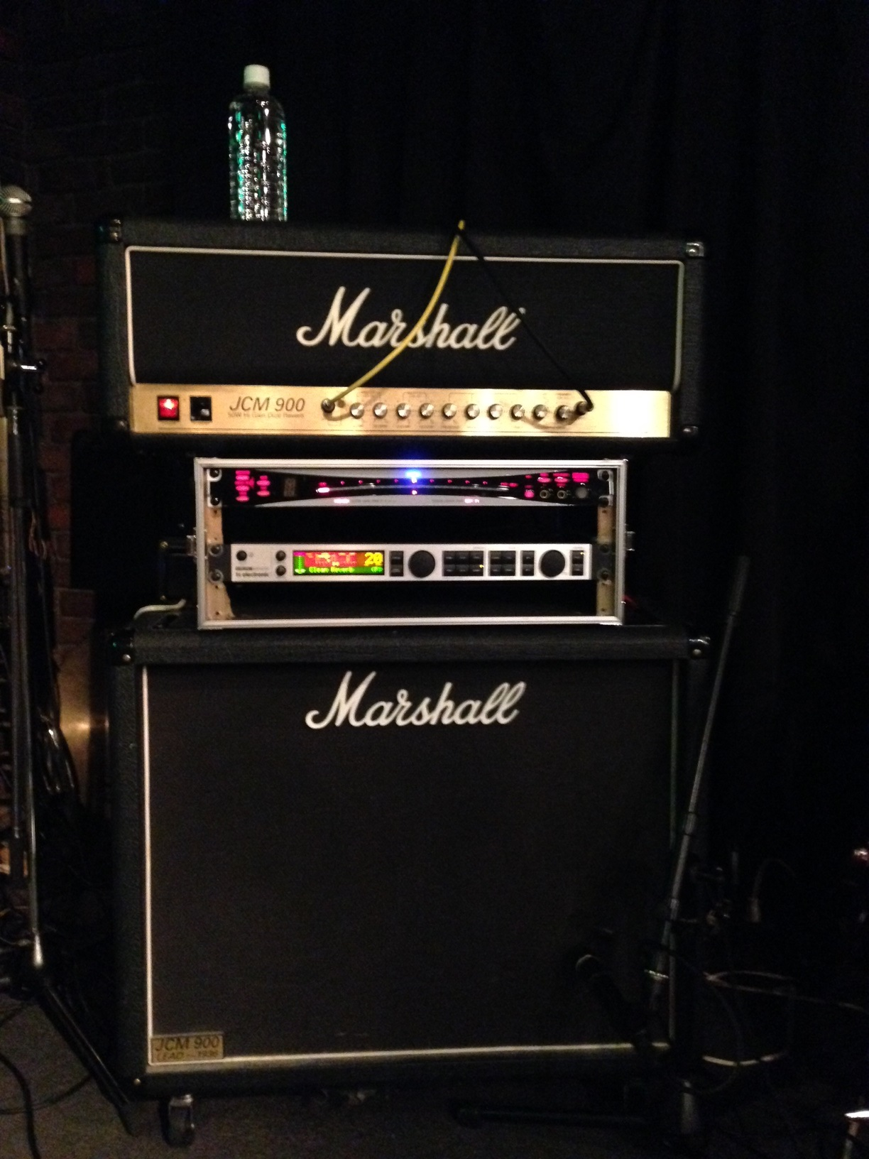 Marshall JCM 900 amp head and speaker cabinet